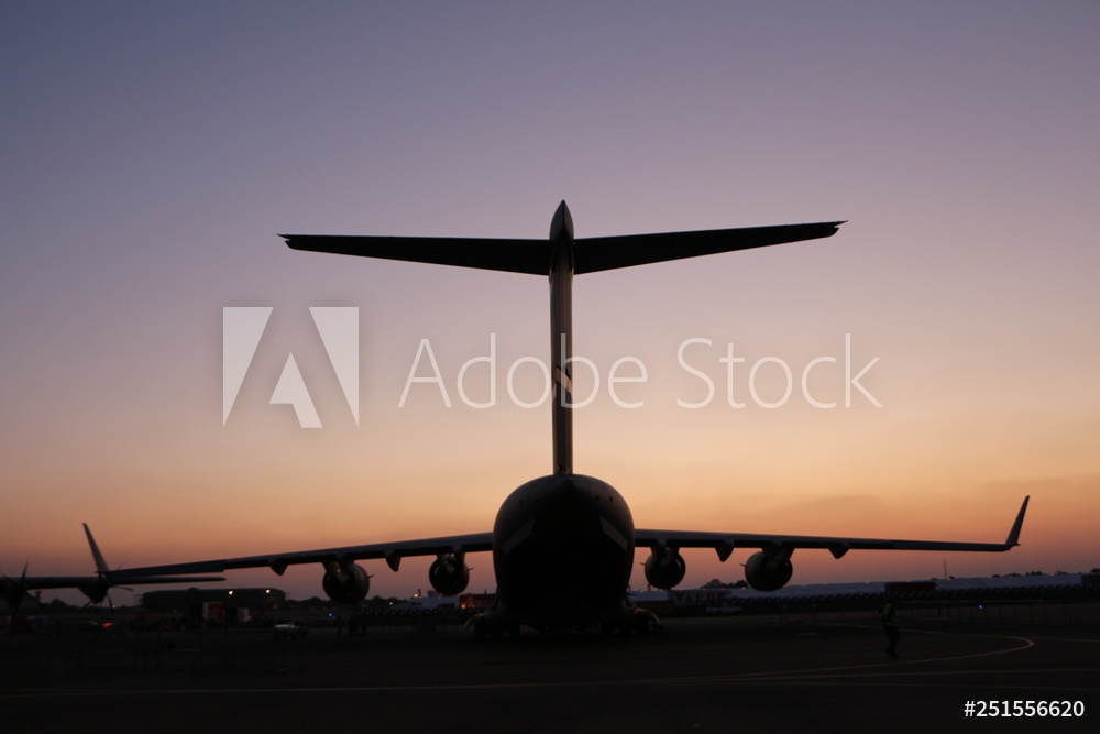 Picture of C17 tail silhouette